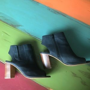 Steve Madden open toed booties